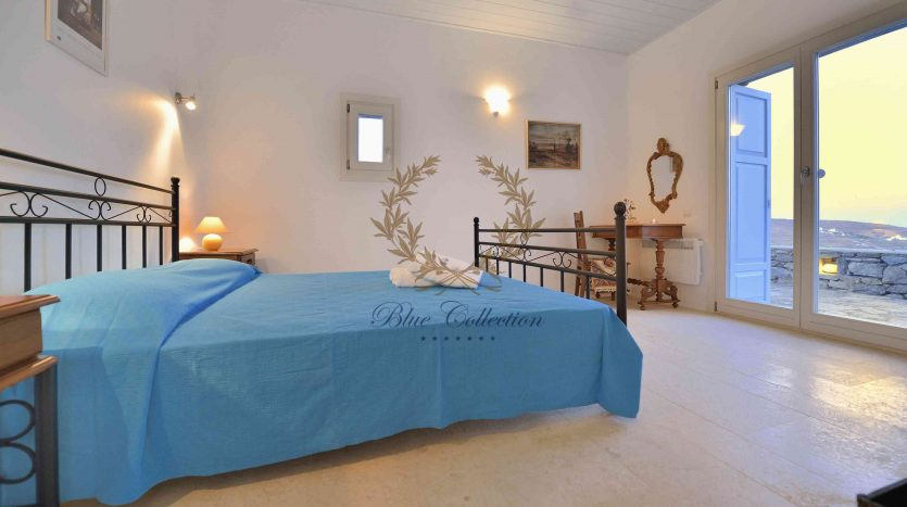 Mykonos-Lia-–-Presidential-Private-Villa-with-infinity-Pool-Stunning-views-for-rent-25
