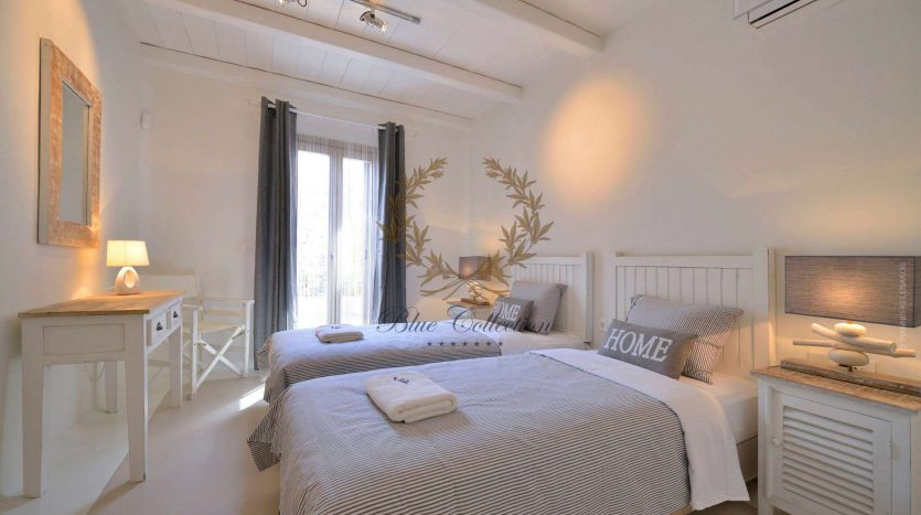 Mykonos-ELIA-–-Delux-Villa-with-Private-Pool-Amazing-view-for-Rent-16