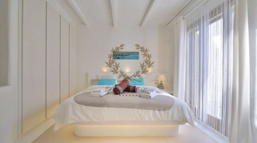 Mykonos-ELIA-–-Delux-Villa-with-Private-Pool-Amazing-view-for-Rent-17