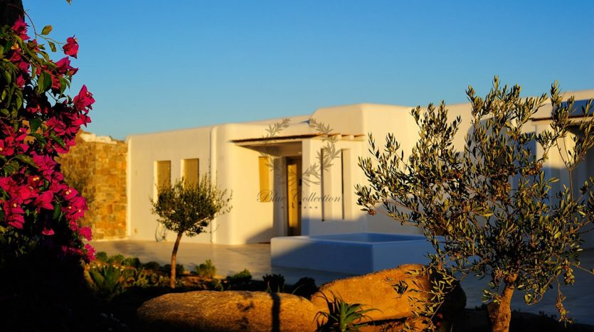 Mykonos-Paradise-Luxury-Villa-with-Private-Pool-Amazing-view-for-rent-p1-5