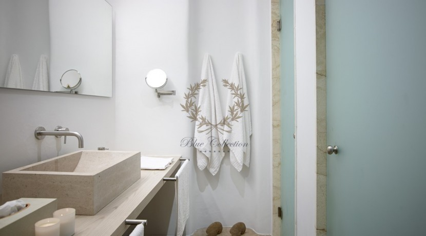 Mykonos - Paraga – Two Presidential Villas with Private infinity Pools & Stunning views for Rent p1 (41)