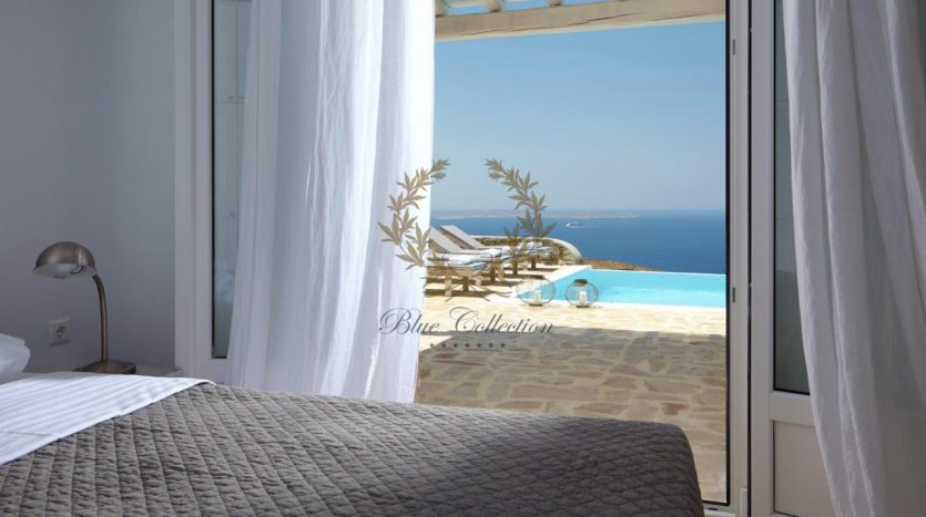 Mykonos-Superior-Villa-with-Private-Pool-Amazing-view-for-rent-4