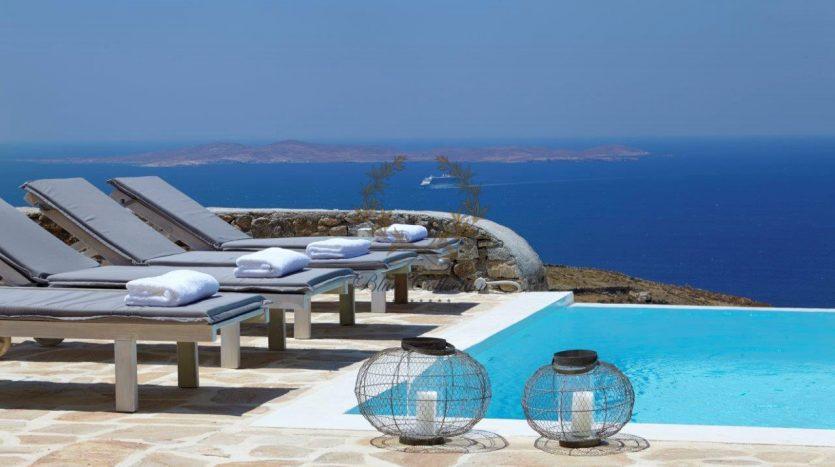 Mykonos-Superior-Villa-with-Private-Pool-Amazing-view-for-rent-5