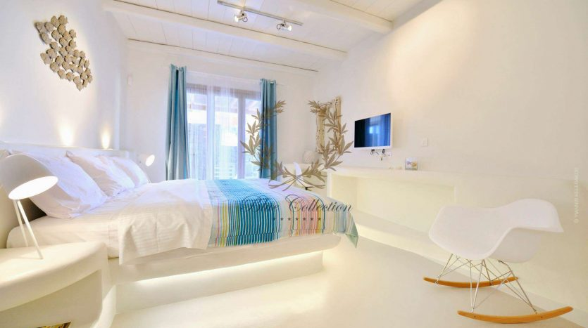 Mykonos-ELIA-–-Delux-Villa-with-Private-Pool-Amazing-view-for-Rent-27