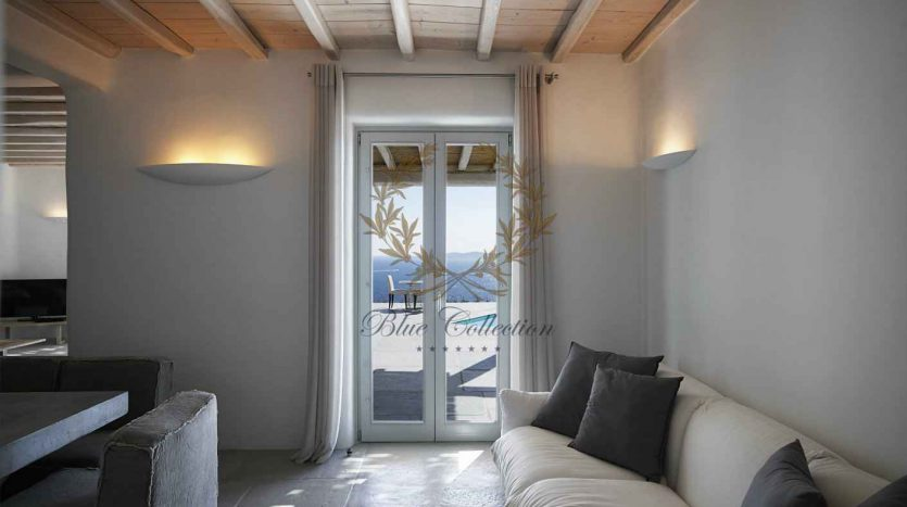 Mykonos-Choulakia-–-Private-Villa-with-Pool-Stunning-Views-for-Rent-4