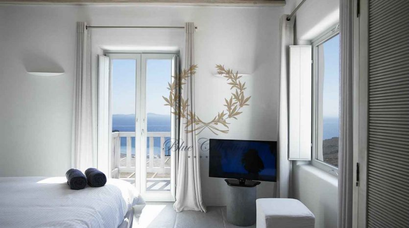 Mykonos-Choulakia-2-–-Private-Villa-with-Pool-Stunning-Views-for-Rent