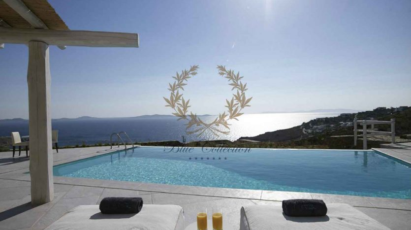 Mykonos-Choulakia-–-Private-Villa-with-Pool-Stunning-Views-for-Rent-8