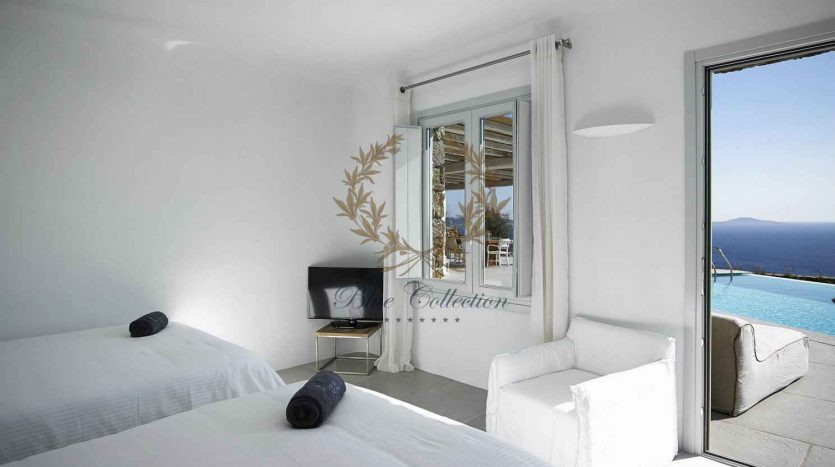 Mykonos-Choulakia-–-Private-Villa-with-Pool-Stunning-Views-for-Rent-6