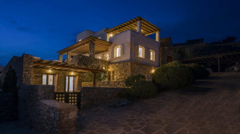 Bluecollection-Mykonos-Greece-Selective-Real-Estate-Luxury-Villa-Rentals-www.bluecollection.gr-2-13
