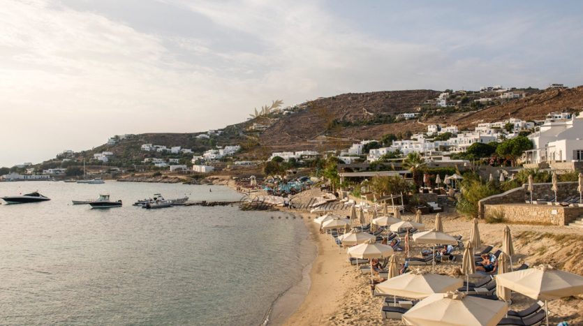 Bluecollection-Mykonos-Greece-Selective-Real-Estate-Luxury-Villa-Rentals-www.bluecollection.gr-2-17