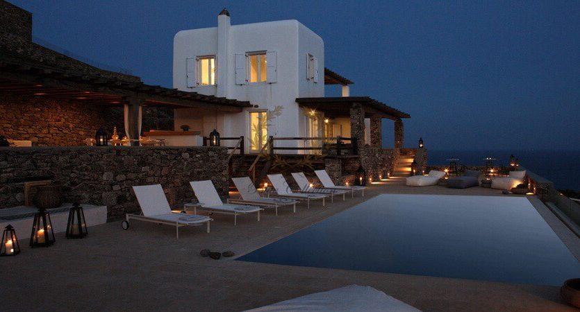 Bluecollection-Mykonos-Greece-Selective-Real-Estate-Luxury-Villa-Rentals-www.bluecollection.gr-2-27