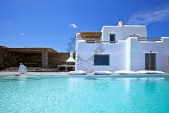 Mykonos – Greece | Kalafatis – Luxury Villa with Private Pool for rent | Sleeps 8+1 | 4+1 Bedrooms |4 Bathrooms| REF:  18041228 | CODE: P-1