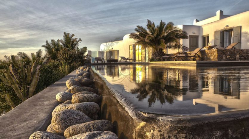 Private-Villa-in-Mykonos-Greece-for-Rent-www.bluecollection.gr-CODE-ELA-1-6
