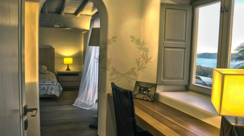 Private-Villa-in-Mykonos-Greece-for-Rent-www.bluecollection.gr-CODE-ELA-1-7