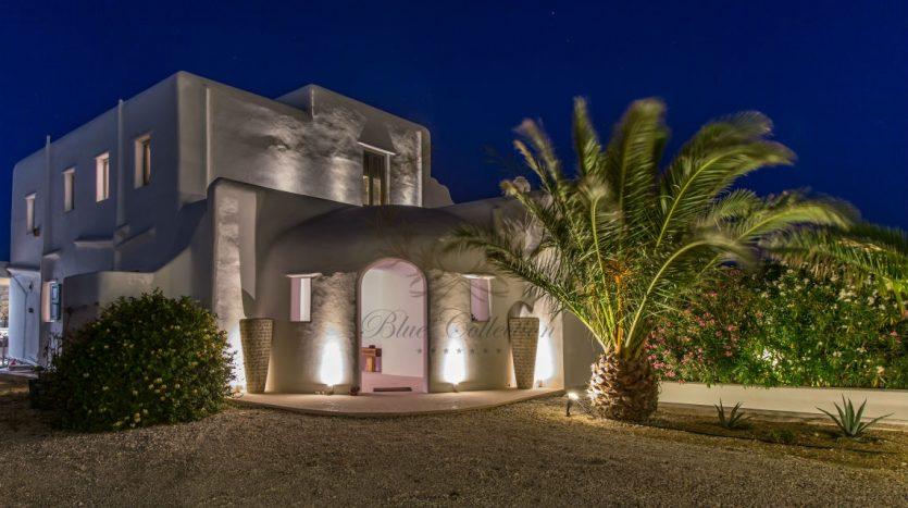 VIP-Villa-for-Rent-in-Mykonos-–-Greece-Kalafatis-Private-Pool-Sea-view-CODE-KFA-1-www.bluecollection.gr-25