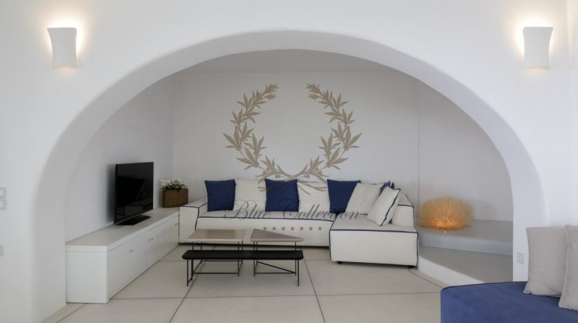 Private-Villa-for-Rent-in-Mykonos-–-Greece-Aleomandra-Private-Pool-Stunning-views-CODE-MAL-4-www.bluecollection.gr_