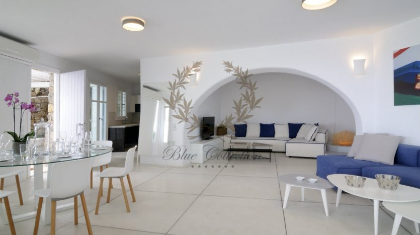 Private-Villa-for-Rent-in-Mykonos-–-Greece-Aleomandra-Private-Pool-Stunning-views-CODE-MAL-4-www.bluecollection.gr-5