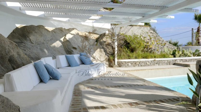 Private-Villa-for-Rent-in-Mykonos-–-Greece-Aleomandra-Private-Pool-Stunning-views-CODE-MAL-4-www.bluecollection.gr-24
