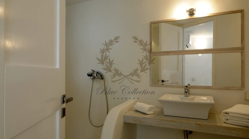 Private-Villa-for-Rent-in-Mykonos-–-Greece-Aleomandra-Private-Pool-Stunning-views-CODE-MAL-4-www.bluecollection.gr-16