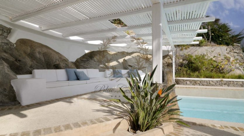 Private-Villa-for-Rent-in-Mykonos-–-Greece-Aleomandra-Private-Pool-Stunning-views-CODE-MAL-4-www.bluecollection.gr-17