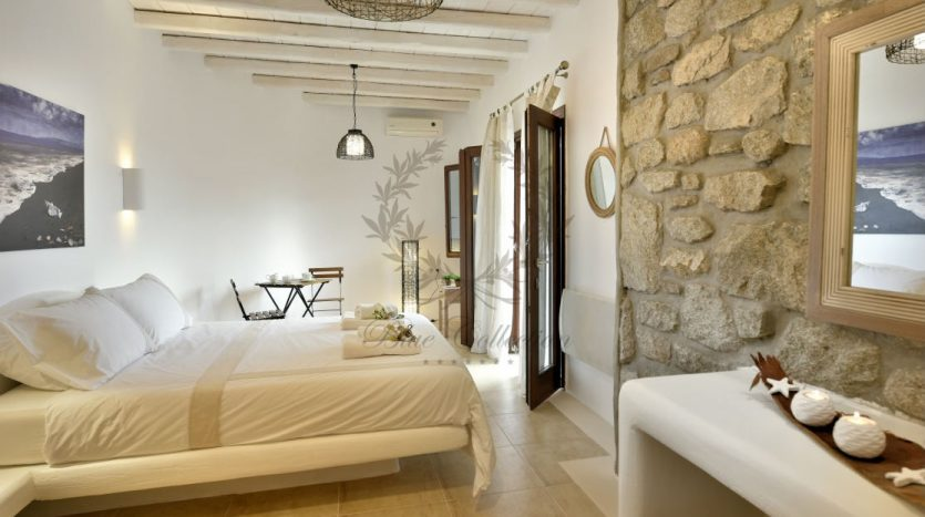 Bluecollection-Mykonos-Greece-Luxury-Villa-Rentals-www.bluecollection.gr-1-37