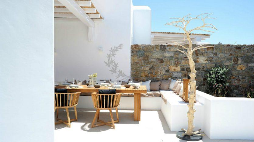 Blue-Collection-Athens-–-Mykonos-Selective-Real-Estate-Luxury-Villa-Rentals-Premium-Concierge-Close-Protection-Services-www.bluecollection.gr-22-