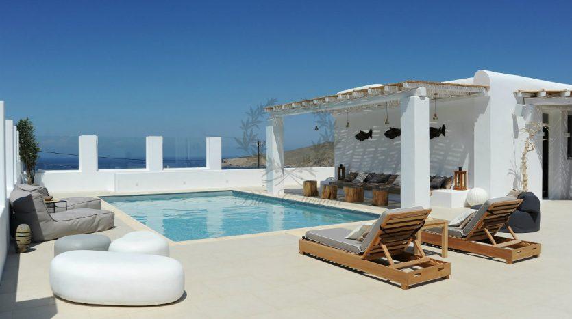 Blue-Collection-Athens-–-Mykonos-Selective-Real-Estate-Luxury-Villa-Rentals-Premium-Concierge-Close-Protection-Services-www.bluecollection.gr-19-