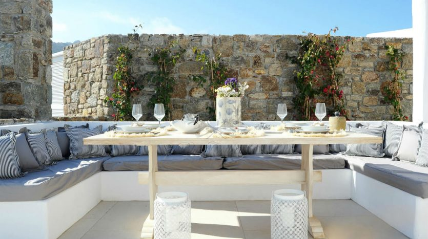 Blue-Collection-Athens-–-Mykonos-Selective-Real-Estate-Luxury-Villa-Rentals-Premium-Concierge-Close-Protection-Services-www.bluecollection.gr-6-