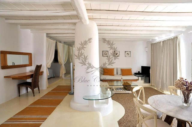 Mykonos Exclusive Villa with Private Spa Pool & Breathtaking views for rent p5