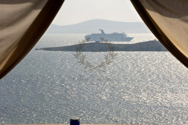 Mykonos Exclusive Villa with Private Spa Pool & Breathtaking views for rent p8