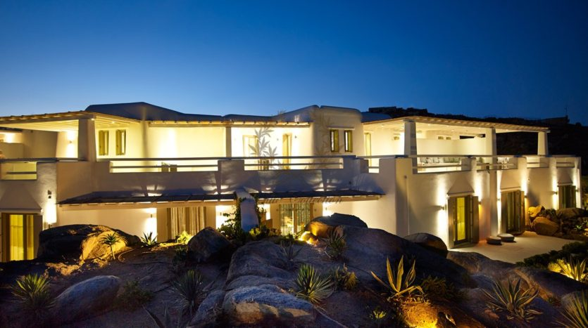 Mykonos – Paraga – Two Presidential Villas with Private infinity Pools & Stunning views for Rent p1 (39)