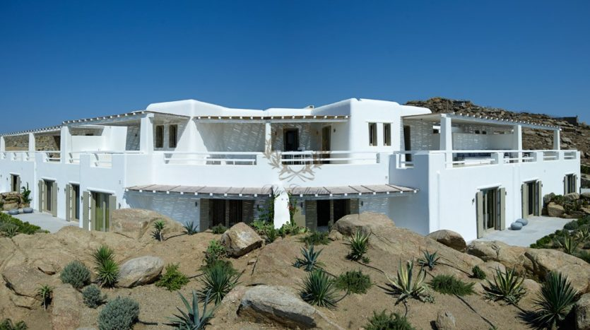Mykonos – Paraga – Two Presidential Villas with Private infinity Pools & Stunning views for Rent p1 (4)