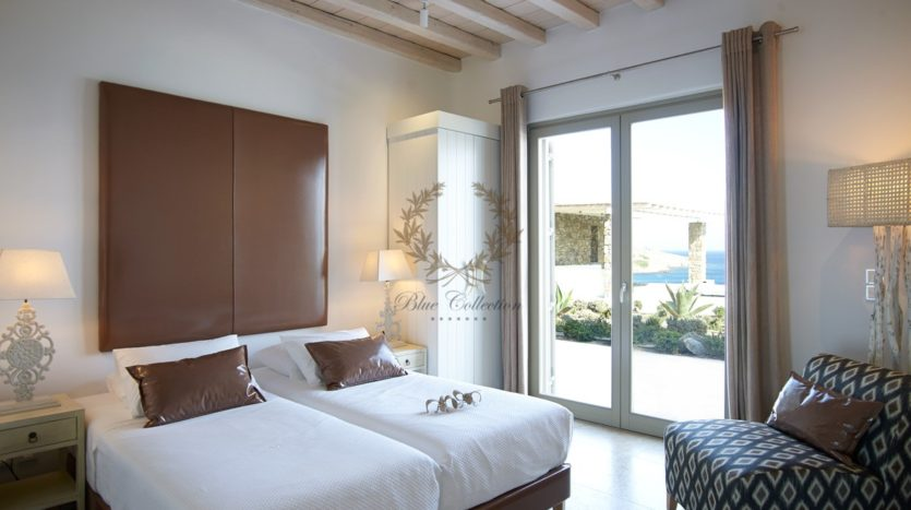 Mykonos – Paraga – Two Presidential Villas with Private infinity Pools & Stunning views for Rent p1 (42)