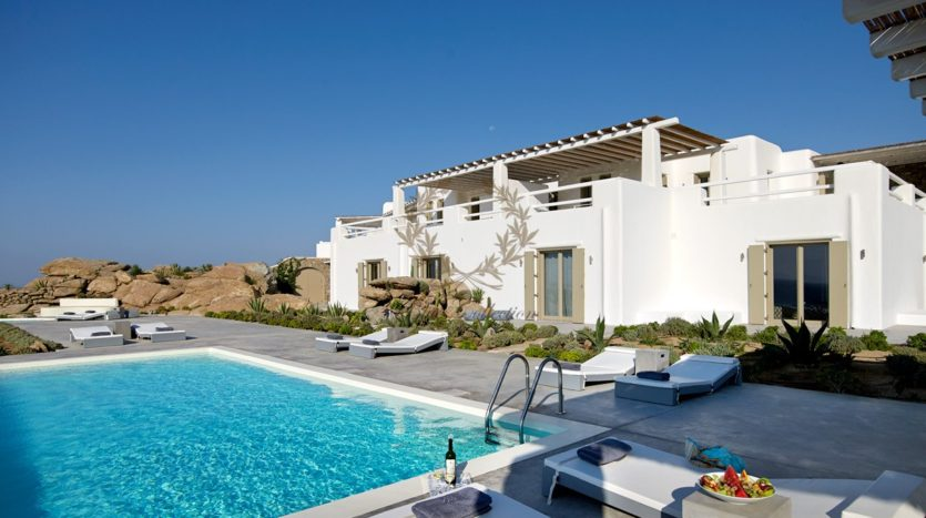 Mykonos – Paraga – Two Presidential Villas with Private infinity Pools & Stunning views for Rent p1 (73)