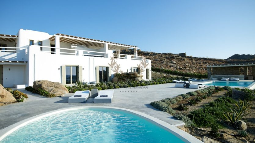 Mykonos – Paraga – Two Presidential Villas with Private infinity Pools & Stunning views for Rent p1