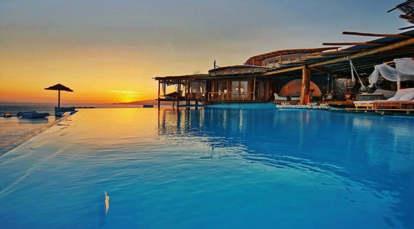 Mykonos-Royal Villa-Private Infinity Pool-Breathtaking view-for rent (3)