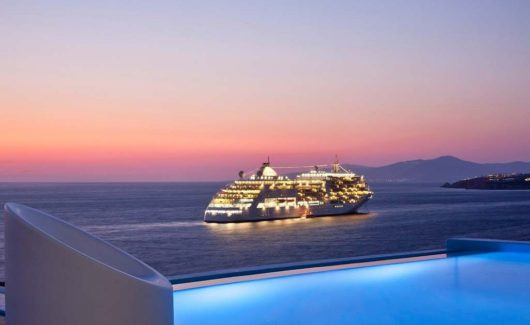 Blue_Collection_Mykonos_Luxury_Villa_Rentals_Yachts_Security_Services_ (9)