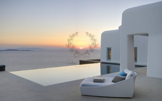 Superior Villa for Rent in Mykonos Greece | Pouli | Private Pool |Amazing Sunset and Sea views | Sleeps 18|9 Bedrooms |9 Bathrooms| REF: 180412169| CODE: PLV-2