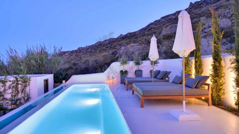 Mykonos_Psarou_Beach_Luxury_Villa_for_Rent_KNS (14)