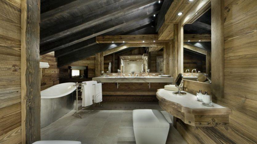 Luxury_Ski_Chalet_to_Rent_Courchevel_1850_FCR1 (12)