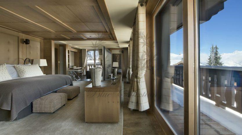 Luxury_Ski_Chalet_to_Rent_Courchevel_1850_FCR1 (13)