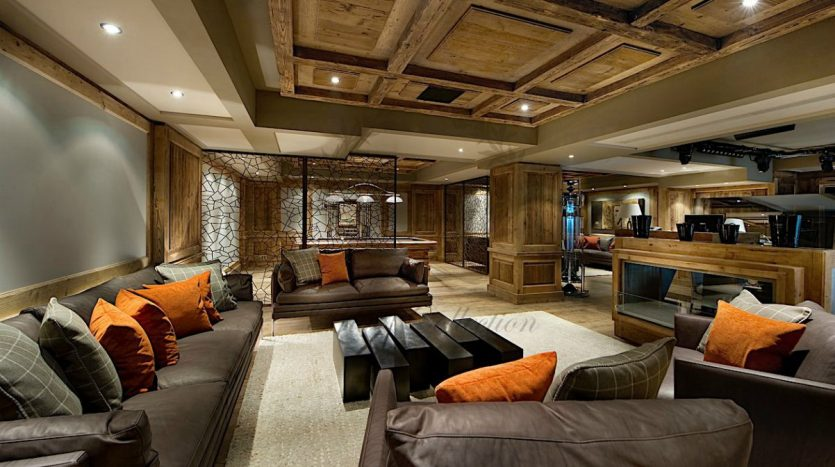 Luxury_Ski_Chalet_to_Rent_Courchevel_1850_FCR1 (31)