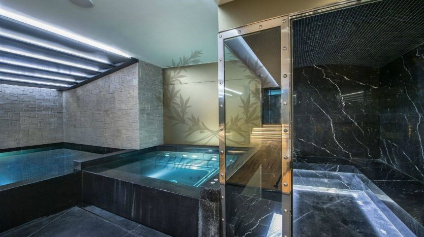 Luxury_Ski_Chalet_to_Rent_Courchevel_1850_FCR5 (14)
