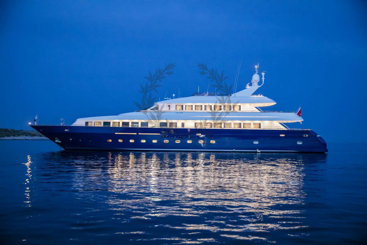 Luxury_Yacht_for_Charter_Mykonos_Greece_MY_JAAN (1)