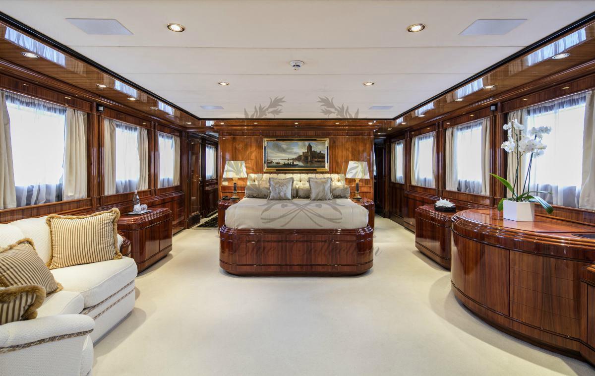 Luxury_Yacht_for_Charter_Mykonos_Greece_MY_JAAN (18)
