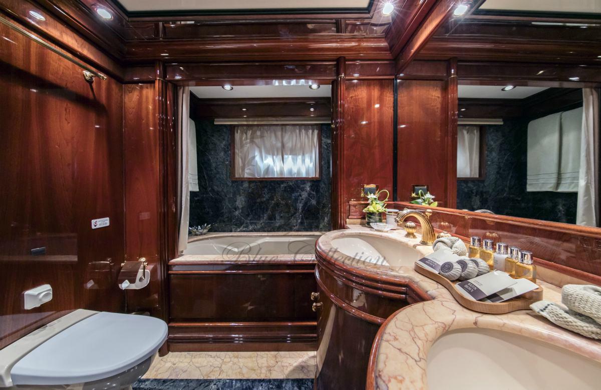 Luxury_Yacht_for_Charter_Mykonos_Greece_MY_JAAN (21)