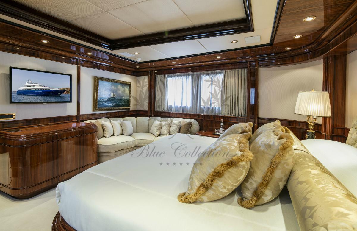 Luxury_Yacht_for_Charter_Mykonos_Greece_MY_JAAN (22)