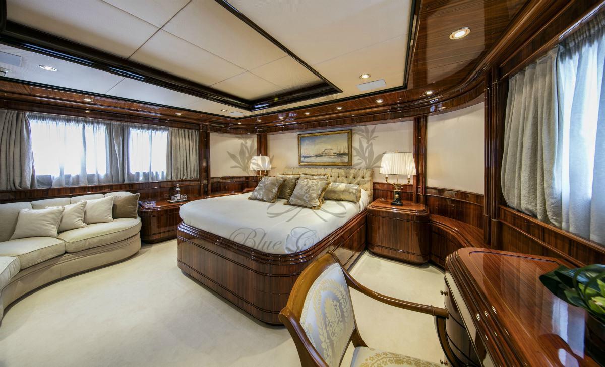 Luxury_Yacht_for_Charter_Mykonos_Greece_MY_JAAN (23)