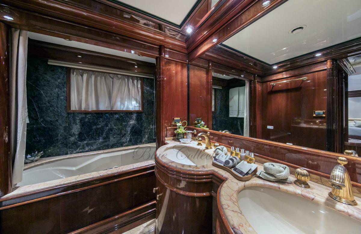 Luxury_Yacht_for_Charter_Mykonos_Greece_MY_JAAN (24)