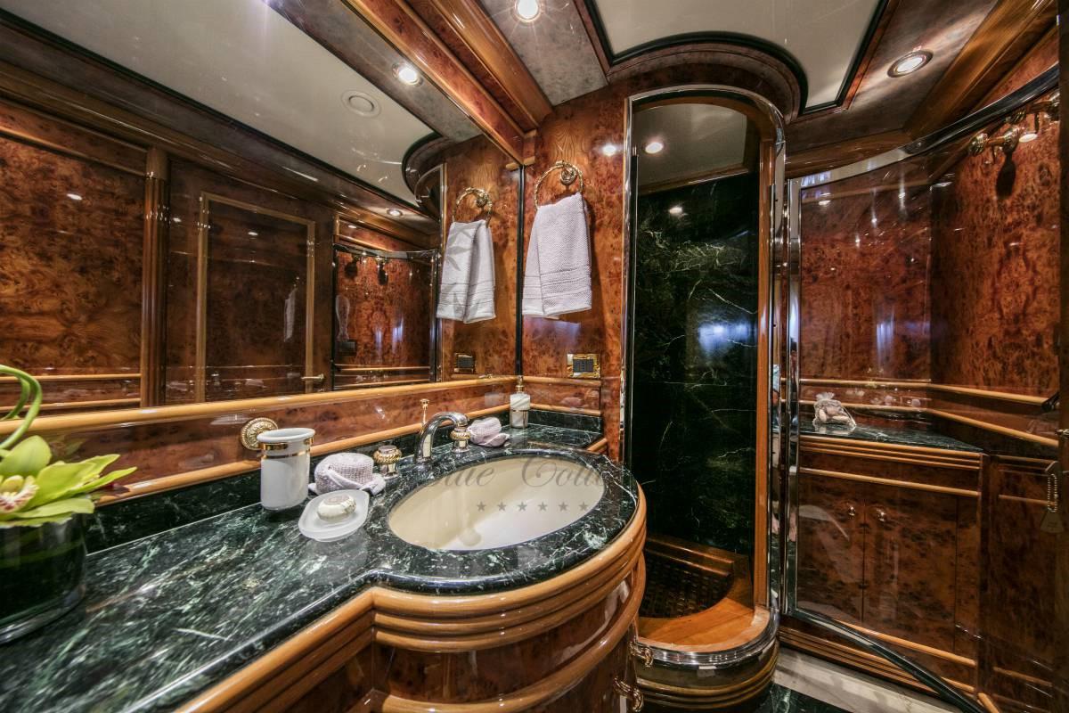 Luxury_Yacht_for_Charter_Mykonos_Greece_MY_JAAN (28)